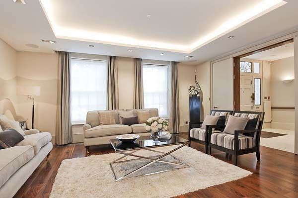 Thumbnail Terraced house to rent in Chelsea Square, London