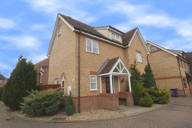 Thumbnail Detached house for sale in Lowes Close, Stevenage