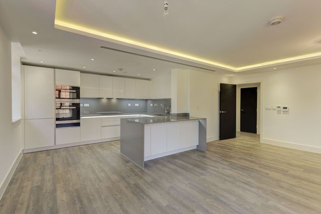 Thumbnail Flat for sale in Chandos Way, Wellgarth Road, London