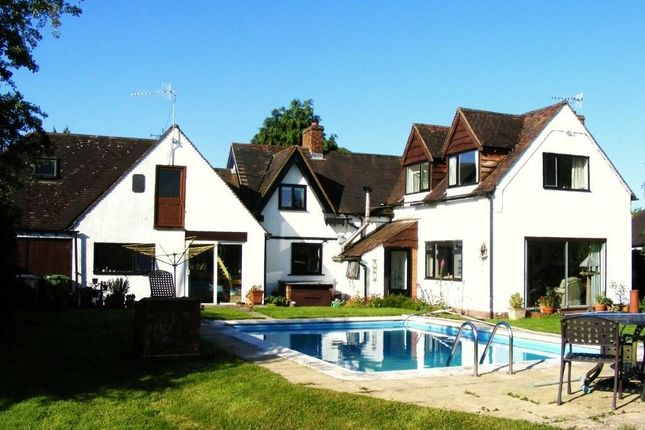 Thumbnail Country house for sale in Dunnington, Alcester