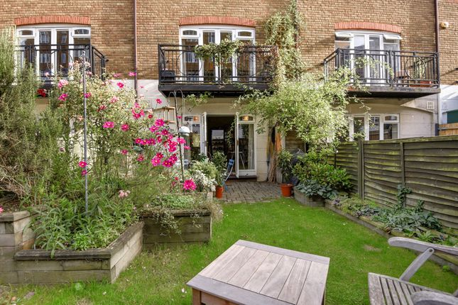 Thumbnail Town house for sale in Rotherhithe Street, London