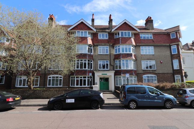 Thumbnail Flat to rent in Devonshire Road, Southampton