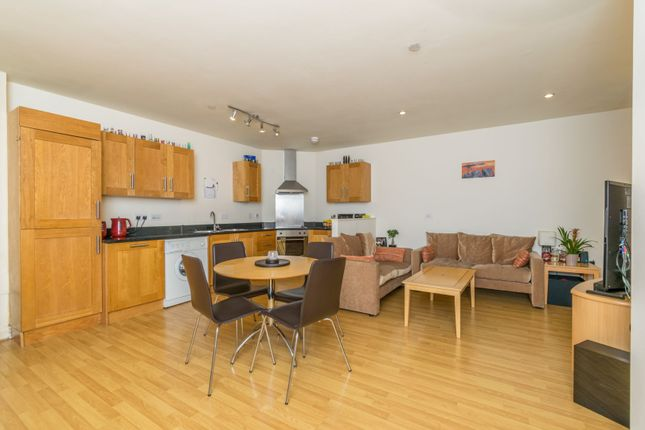 Thumbnail Flat for sale in 42 Sanvey Gate, Leicester