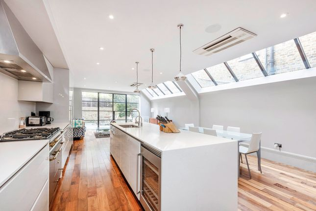 Thumbnail Terraced house for sale in Chipstead Street, London
