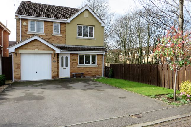 Thumbnail Detached house for sale in Cragside Close, Chesterfield
