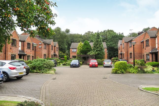 2 bedroom flat for sale in Smallwood Mews, Heswall, Wirral