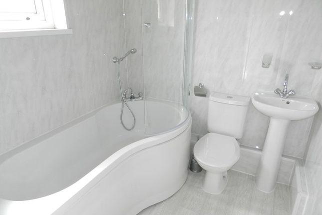Family Bathroom of Heol Llwynffynon, Llangeinor, Bridgend CF32