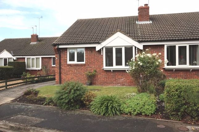 2 bed bungalow to rent in Ashlea Close, Selby YO8