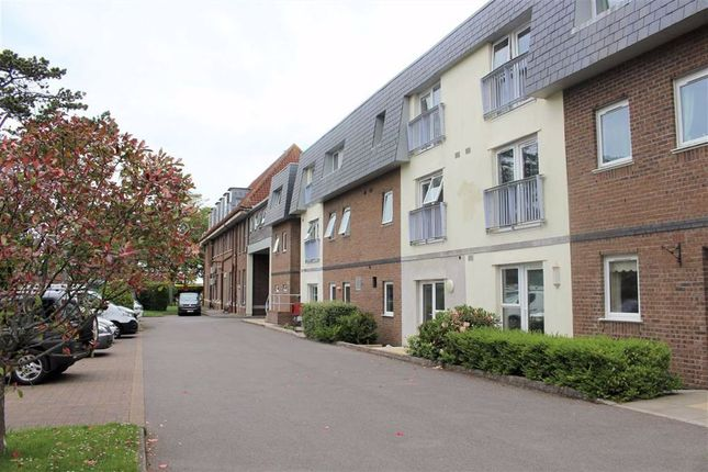 1 bed flat for sale in Clyne Common, Swansea SA3