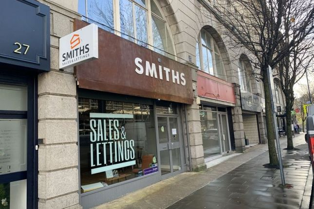 Retail premises to let in Castle Street, Swansea