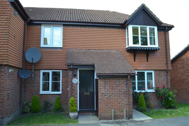 Thumbnail Maisonette to rent in Finch Close, Tadley
