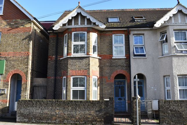 Thumbnail Semi-detached house to rent in Clayton Parade, High Street, Langley, Slough