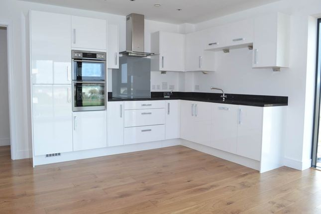 Thumbnail Flat to rent in Southmead House, Newbury Racecourse, Newbury