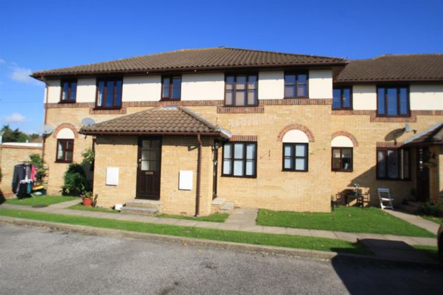 2 bed flat to rent in Eastwood Road North, Leigh-On-Sea SS9