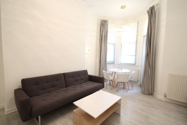 Flat to rent in Cromwell Road, London