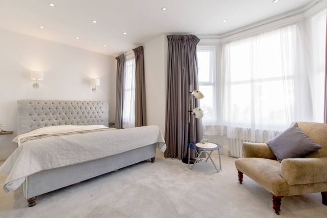 Thumbnail Property for sale in Bow Lane, North Finchley, London