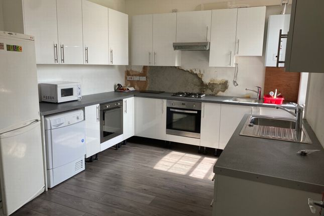Thumbnail Flat to rent in Kilburn High Road, Kilburn