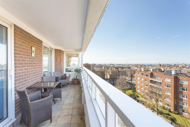 Thumbnail Flat for sale in Eaton Gardens, Hove