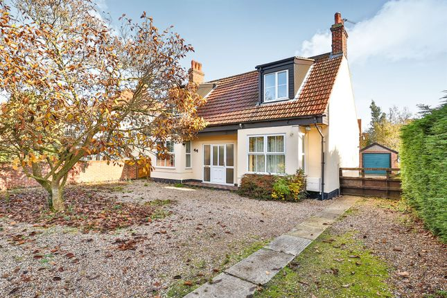 Thumbnail Bungalow for sale in Crown Road, Dereham