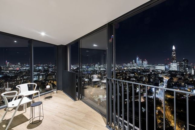 Thumbnail Flat for sale in 251 Southwark Bridge Road, London