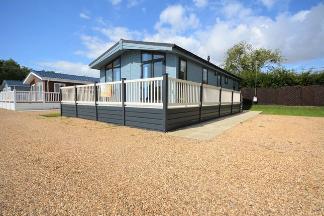 Mobile Park Home For Sale In The Hollies London Road Kessingland