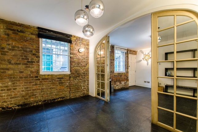 Thumbnail Property for sale in Victoria Mews, Shoreditch, London