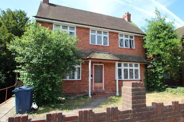 Thumbnail Flat to rent in Wst Wycombe, High Wycombe