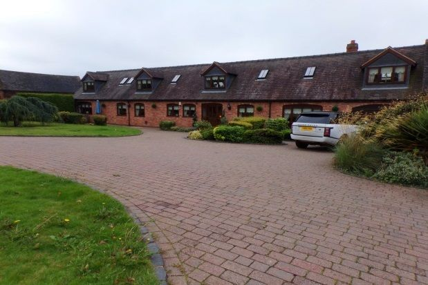 6 bed barn conversion to rent in Little Saredon, Wolverhampton