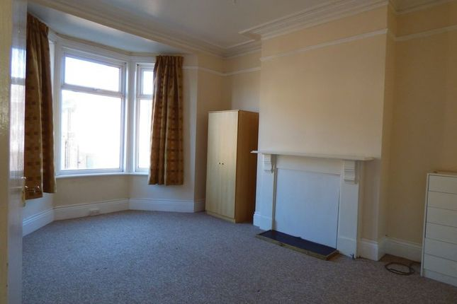 3 bed flat to rent in Trewhitt Road, Heaton, Newcastle Upon Tyne