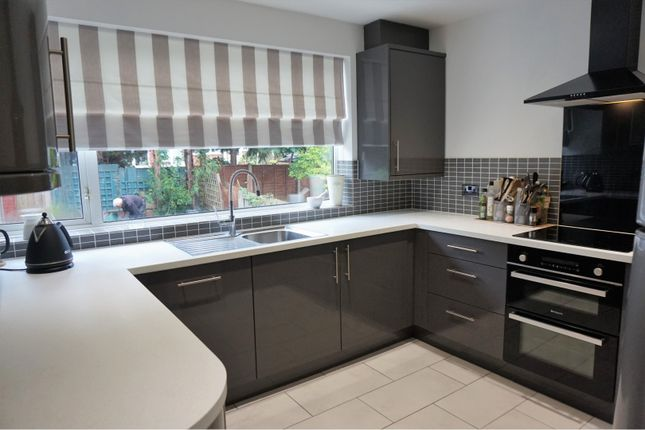 Thumbnail Town house for sale in Honeybourne Road, Halesowen