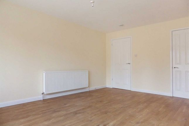 Thumbnail Detached house to rent in Woodley Green, Witney, Oxfordshire