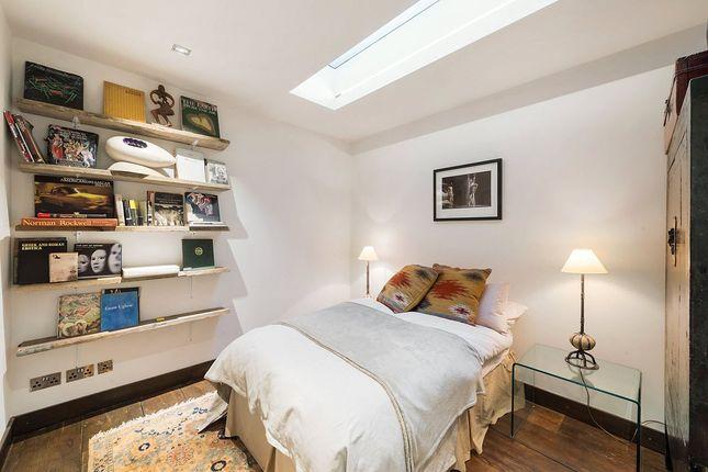 Lower Bedroom of Guthrie Street, Chelsea, London SW3
