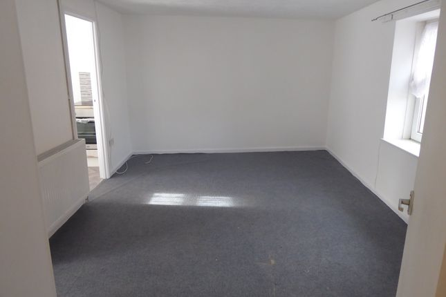 1 bed flat to rent in Woods Row, Carmarthen, Carmarthenshire SA31