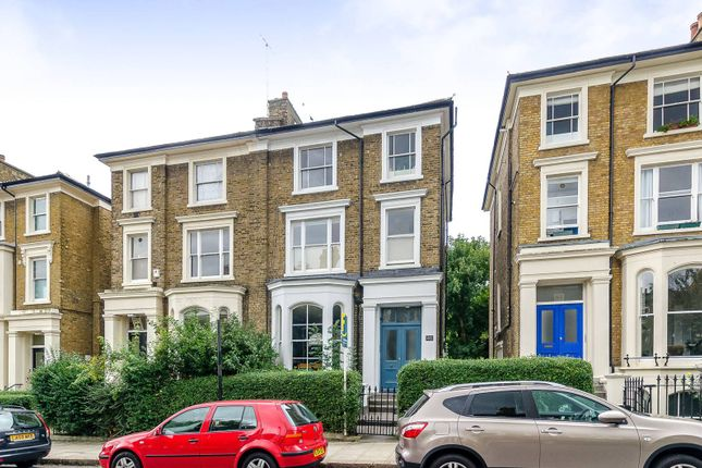 Thumbnail Flat to rent in Top Floor Flat, Archway, London