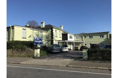 Thumbnail Hotel/guest house for sale in Seabury Hotel, 11 Manor Road, Torquay, Devon