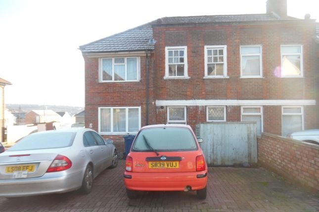 Thumbnail Flat for sale in Whitelands Road, High Wycombe
