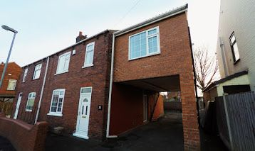 Thumbnail Room to rent in Maybush Road, Wakefield