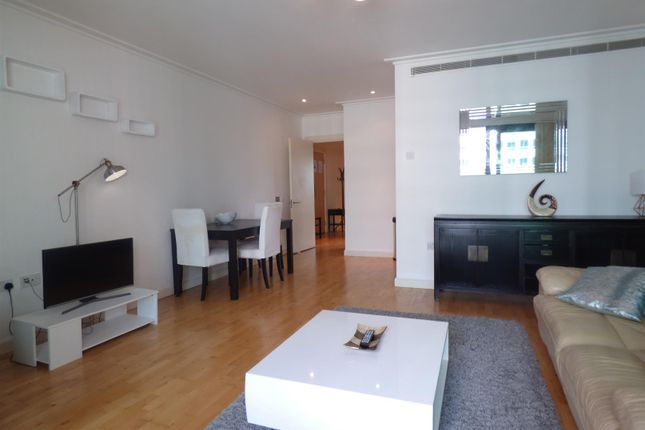 Thumbnail Flat for sale in South Quay Square, London