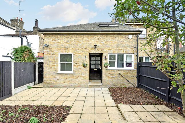Thumbnail Detached house for sale in Kenworthy Road, Hackney
