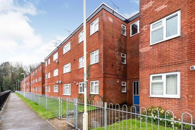Thumbnail Flat for sale in Woodview Court, Coedcae, Pontypool