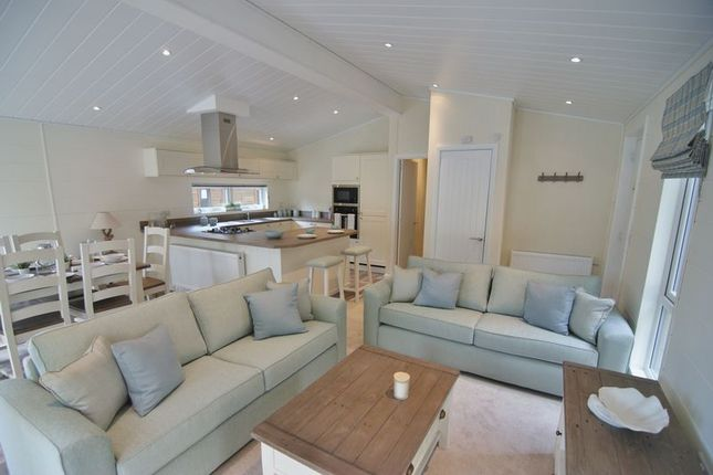 Thumbnail Mobile/park home for sale in Ambleside Road, Troutbeck Bridge, Windermere