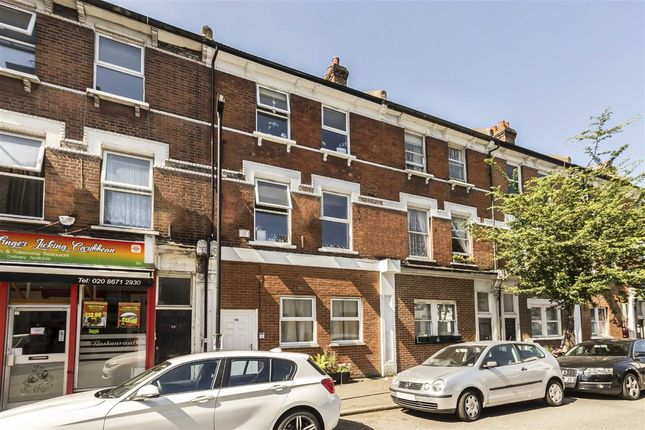 3 bed flat to rent in Morrish Road, London