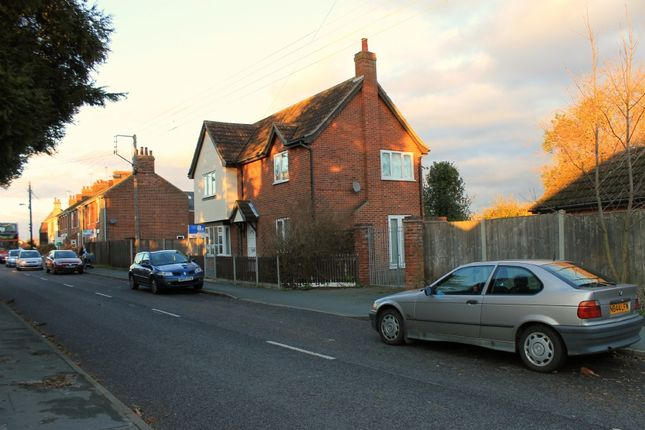 Thumbnail Detached house to rent in Rectory Road, Wivenhoe, Colchester