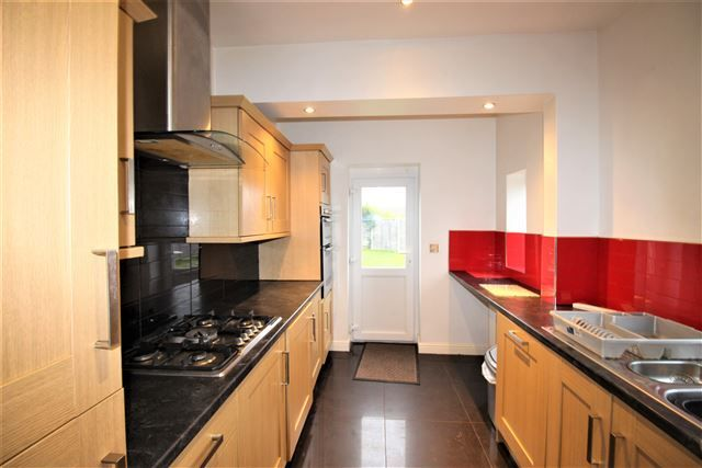 Thumbnail Semi-detached house to rent in Mauncer Lane, Sheffield