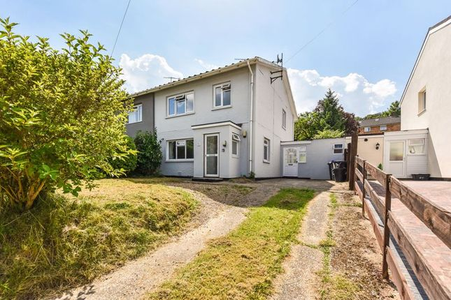 3 bed property for sale in Olivier Road, Wilton, Salisbury SP2