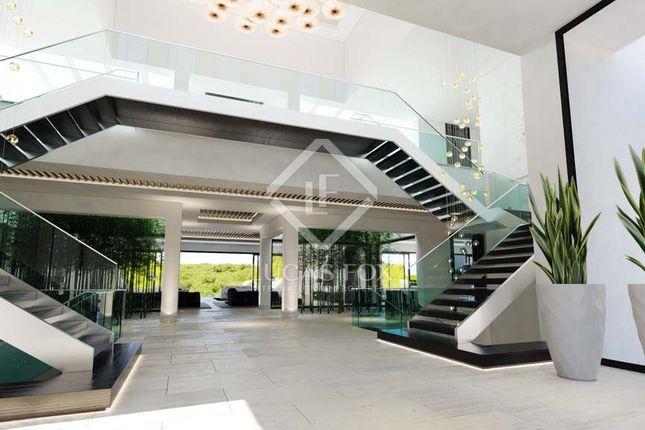 Thumbnail Villa for sale in Spain, Costa Del Sol, Sotogrande, Lfcds604