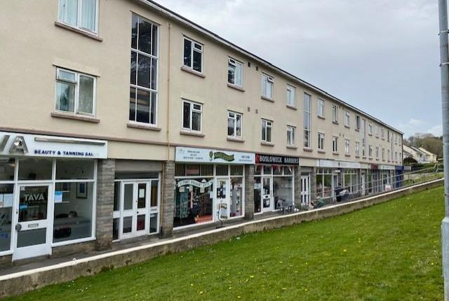 2 bed flat to rent in Boslowick Road, Falmouth TR11