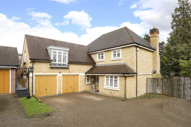 Thumbnail Detached house for sale in Starrock Road, Coulsdon