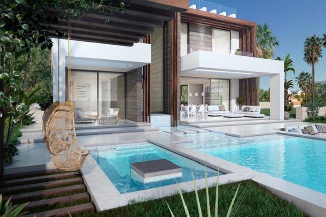 Thumbnail Villa for sale in Chullera, San Luis De Sabinillas, Manilva