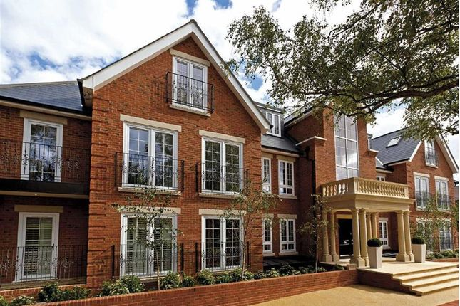 Thumbnail Flat to rent in Bayview House, Enfield, Middlesex